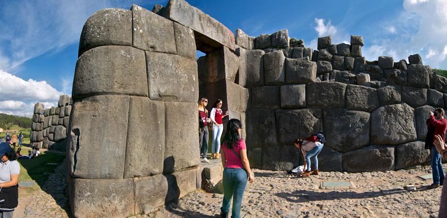 Tour Montaña de Colores y Machu Picchu 05 Días / 04 Noches